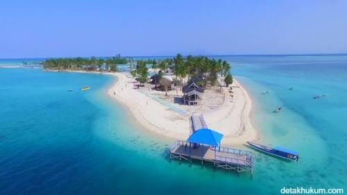 pantai bokori 10 Destinasi Wisata Pantai TerHits di Pulau Sulawesi